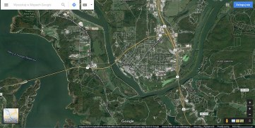 Warsaw w Missouri jest pięknie położona w zakolu rzeki, wśród sztucznych jezior na rzece