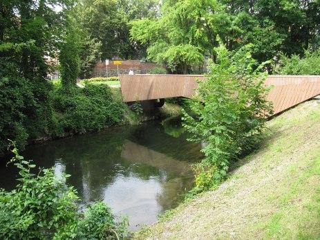 Fajny piesz mostek