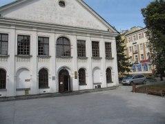 Nowy Plac Litewski. Można zaparkować przy pałacu Czartoryskich