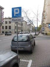 Chopina. bezpłatne miejsce parkingowe w ramach płatnej strefy parkowania
