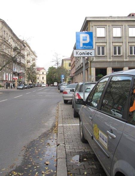 Chopina. bezpłatne miejsca parkingowe w ramach płatnej strefy parkowania