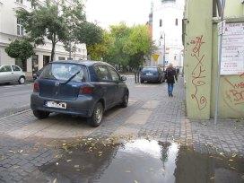 Parkowanie przy teatrze Osterwy