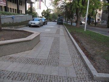 Filharmonia, parkowanie na chodniku