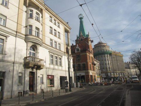 Brakuje mi takich widoków w Warszawie. Stara architektura. Przestrzeń w ludzkiej skali, a nie proskpiekty jak w Moskwie na 20 pasów ruchu