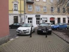 Odwieczny problem z przejściem na stare miasto. Tu nie ma miejsc do parkowania :)