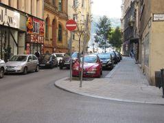 Wysunięte chodniki na skrzyżowaniach, zero parkowania. Bezpieczenie